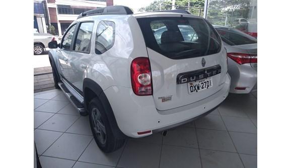 //www.autoline.com.br/carro/renault/duster-20-sl-tech-road-ii-4x2-16v-138cv-4p-flex-auto/2015/sao-luis-ma/7375230