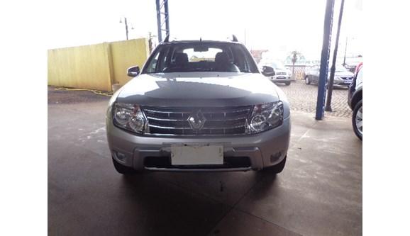 //www.autoline.com.br/carro/renault/duster-20-dynamique-16v-flex-4p-manual-4x4/2014/cascavel-pr/8009577