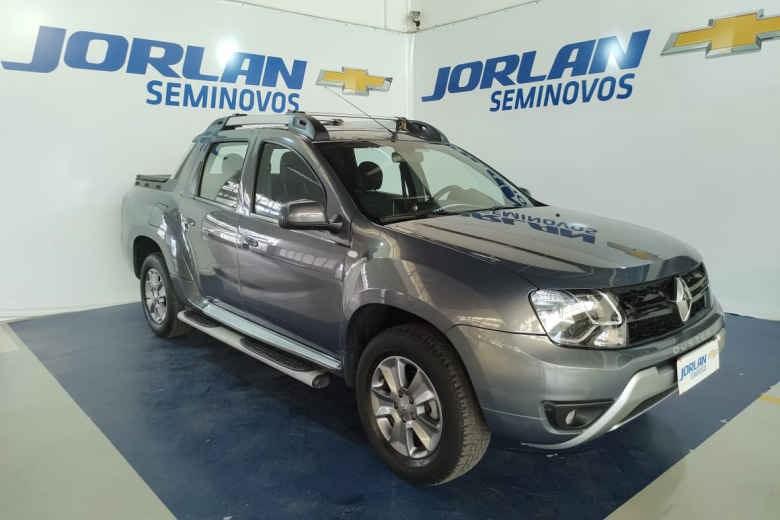 //www.autoline.com.br/carro/renault/duster-oroch-20-dynamique-16v-flex-4p-manual/2016/brasilia-df/14908385