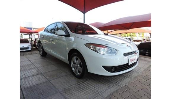 //www.autoline.com.br/carro/renault/fluence-20-dynamique-16v-flex-4p-automatico/2013/ivoti-rs/6534821