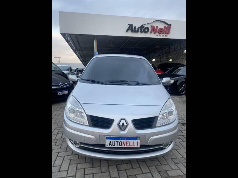 //www.autoline.com.br/carro/renault/grand-scenic-20-16v-gasolina-4p-automatico/2009/joinville-sc/15439358