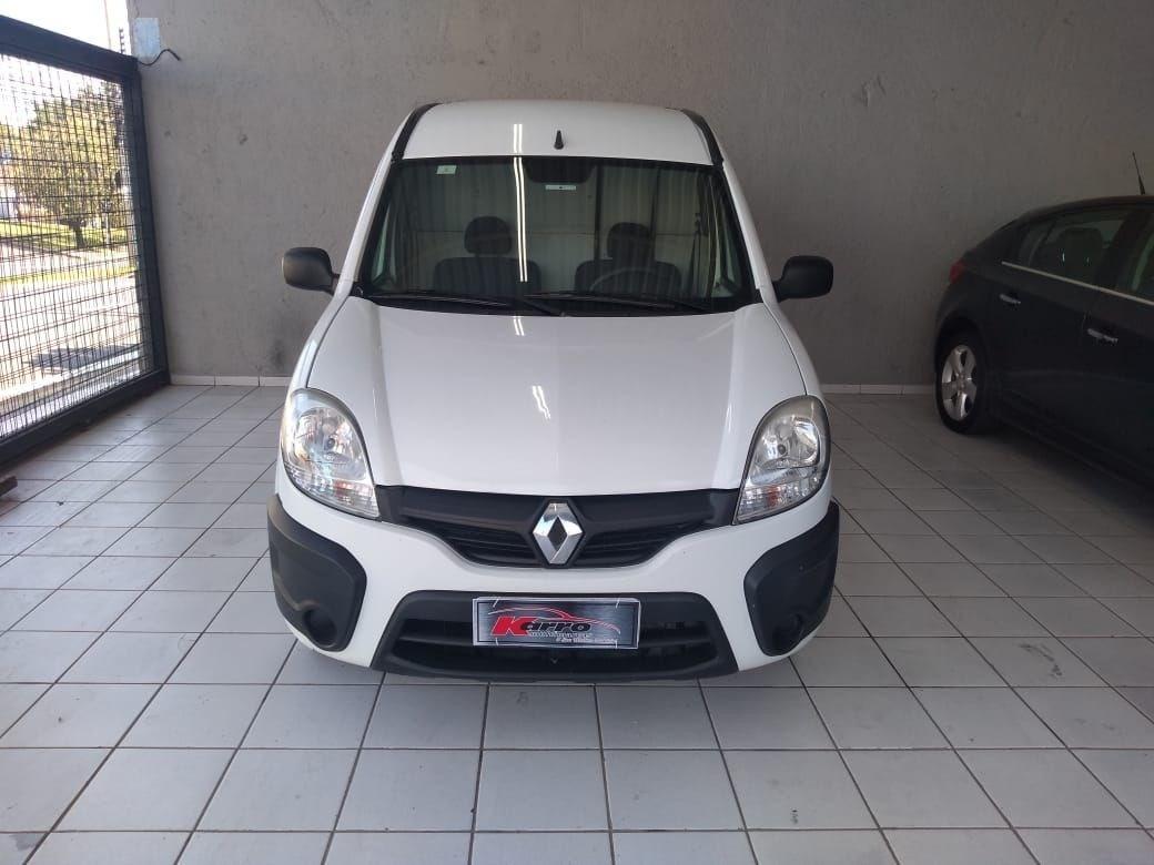 //www.autoline.com.br/carro/renault/kangoo-16-16v-95cv-4p-flex-manual/2015/sorocaba-sp/12267033