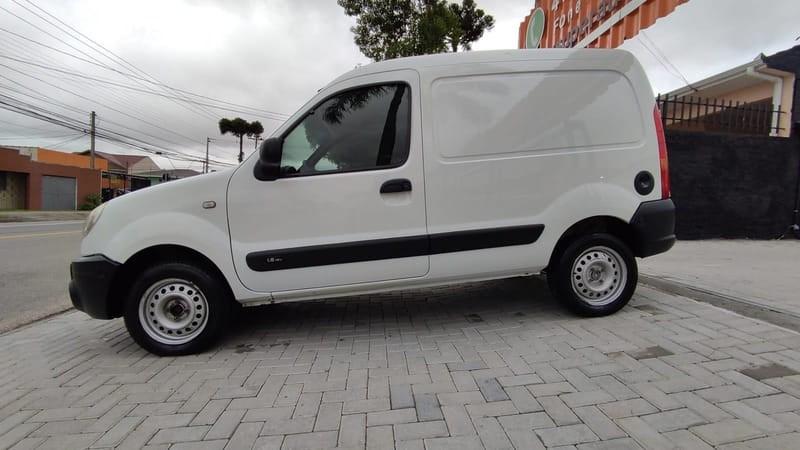 //www.autoline.com.br/carro/renault/kangoo-16-16v-flex-2p-manual/2013/curitiba-pr/15884050