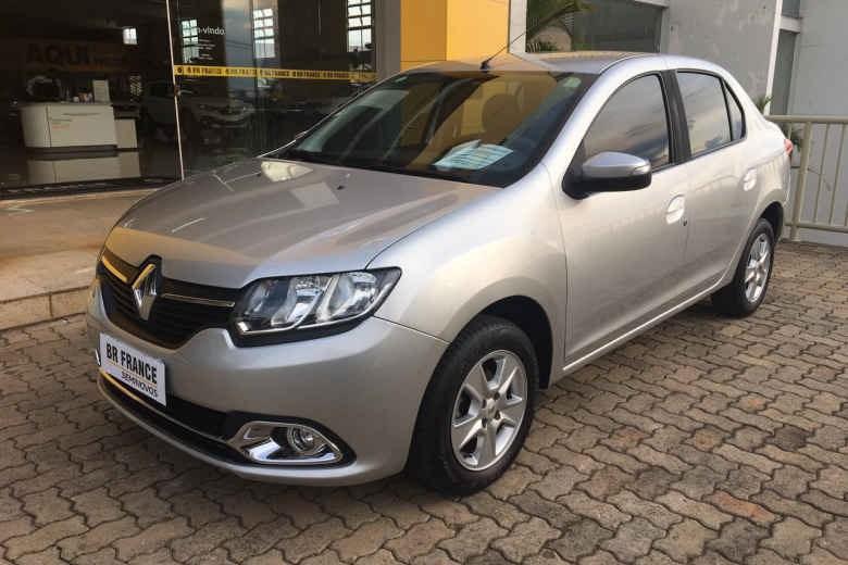 //www.autoline.com.br/carro/renault/logan-16-expression-8v-flex-4p-easy-r/2015/brasilia-df/14917602