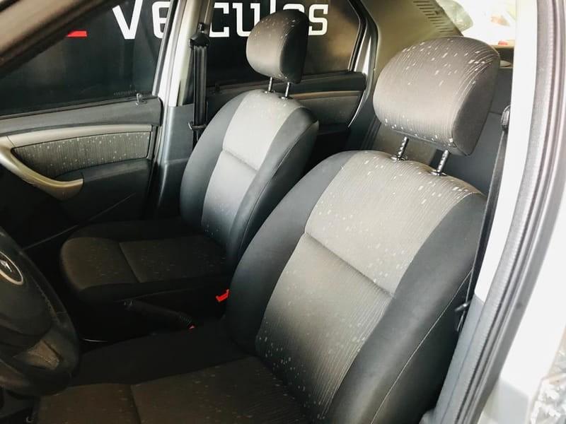//www.autoline.com.br/carro/renault/logan-10-expression-16v-flex-4p-manual/2011/brasilia-df/15893621
