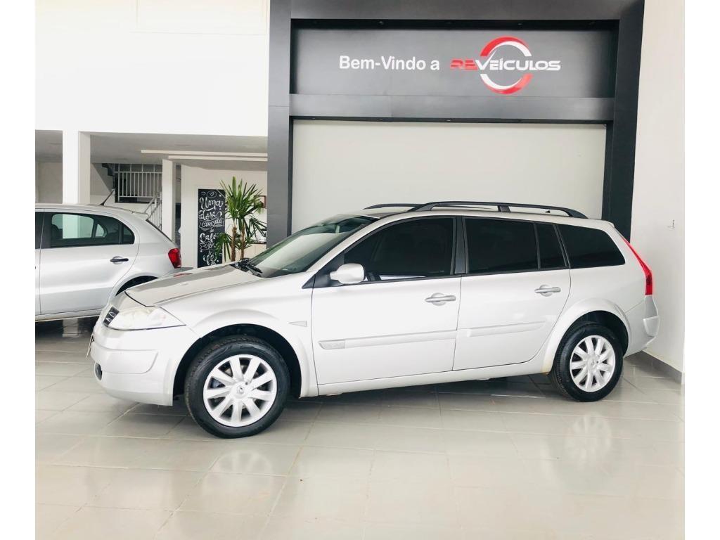 //www.autoline.com.br/carro/renault/megane-16-dynamique-16v-110cv-4p-flex-manual/2013/itarare-sp/12987846