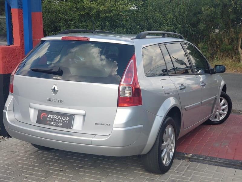 //www.autoline.com.br/carro/renault/megane-16-dynamique-16v-110cv-4p-flex-manual/2011/curitiba-pr/14616941