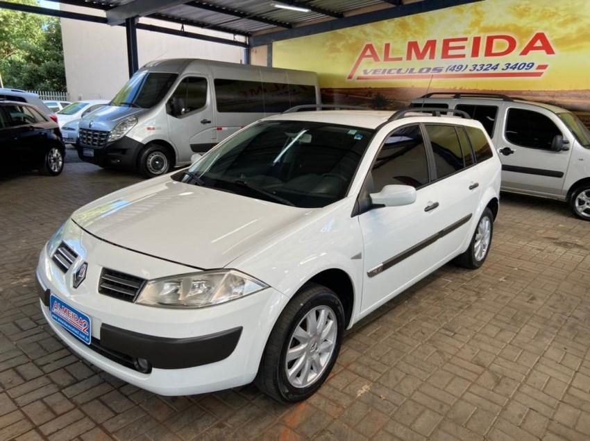 //www.autoline.com.br/carro/renault/megane-16-dynamique-16v-110cv-4p-flex-manual/2011/chapeco-sc/14693905