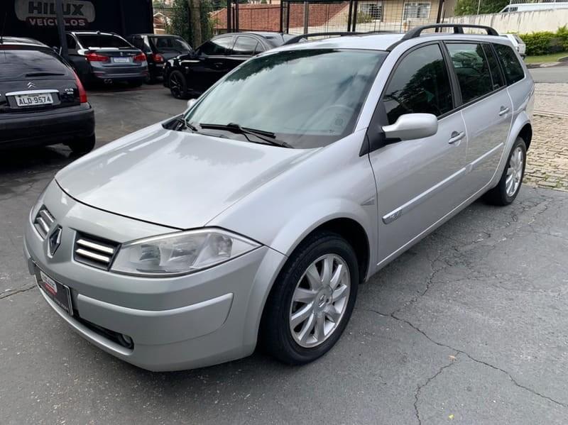 //www.autoline.com.br/carro/renault/megane-16-dynamique-16v-110cv-4p-flex-manual/2013/curitiba-pr/14700361