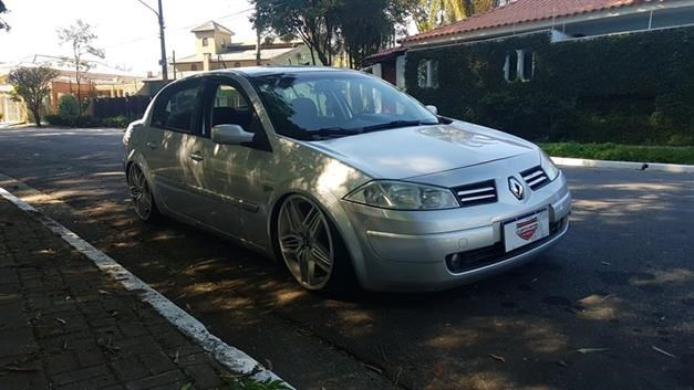 //www.autoline.com.br/carro/renault/megane-16-sedan-dynamique-16v-flex-4p-manual/2010/sao-paulo-sp/14746921