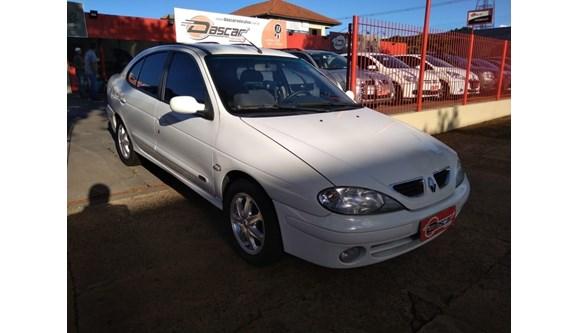 //www.autoline.com.br/carro/renault/megane-20-privilege-16v-sedan-gasolina-4p-manual/2005/cascavel-pr/8090073