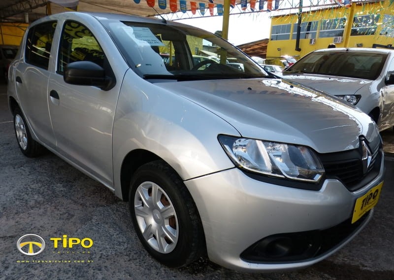 //www.autoline.com.br/carro/renault/sandero-10-authentique-16v-flex-4p-manual/2015/porto-alegre-rs/10622982