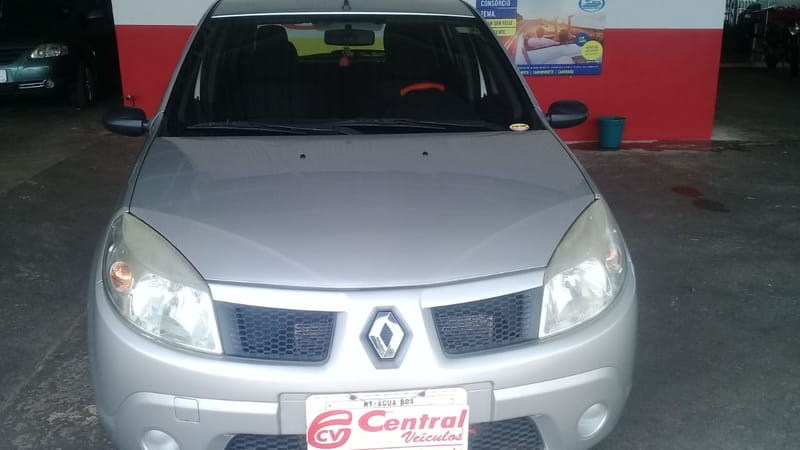 //www.autoline.com.br/carro/renault/sandero-10-expression-16v-flex-4p-manual/2009/agua-boa-mt/10948667