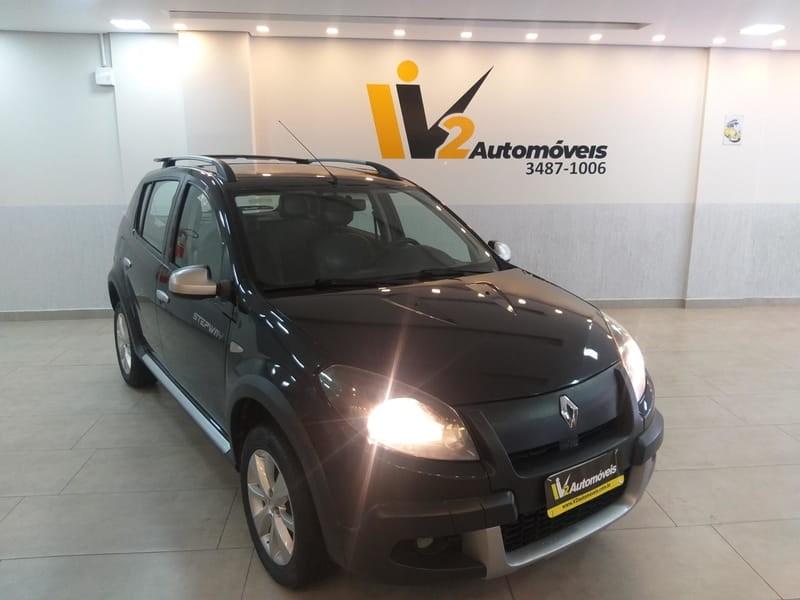 //www.autoline.com.br/carro/renault/sandero-16-stepway-seg-16v-107cv-4p-flex-manual/2013/brasilia-df/11427911