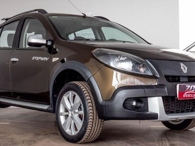//www.autoline.com.br/carro/renault/sandero-16-stepway-16v-flex-4p-automatico/2013/brasilia-df/12579863