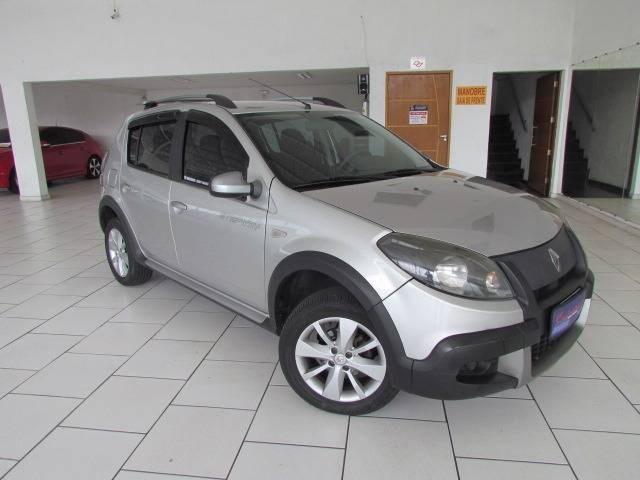//www.autoline.com.br/carro/renault/sandero-16-stepway-16v-flex-4p-automatico/2012/sao-paulo-sp/12739329