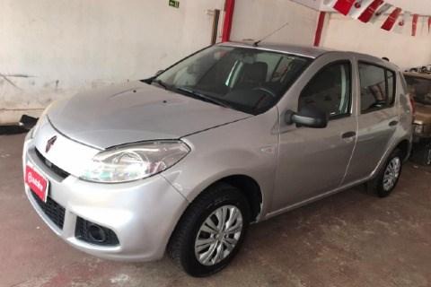 //www.autoline.com.br/carro/renault/sandero-10-authentique-16v-flex-4p-manual/2012/brasilia-df/14568728