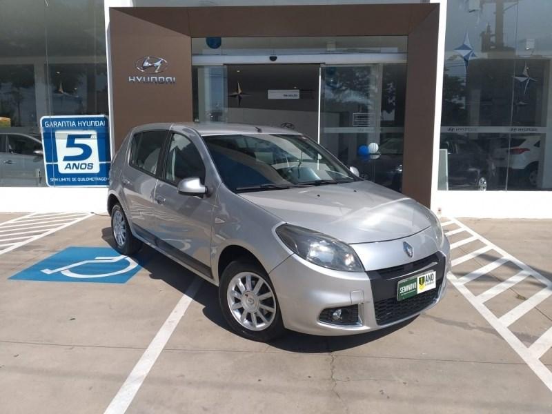 //www.autoline.com.br/carro/renault/sandero-16-privilege-16v-flex-4p-automatico/2014/sao-paulo-sp/14937582
