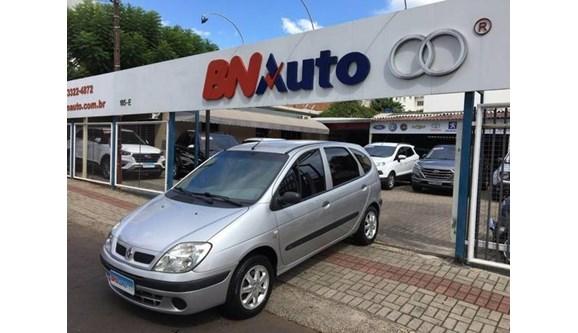 //www.autoline.com.br/carro/renault/scenic-16-kids-16v-flex-4p-manual/2011/chapeco-sc/11251070
