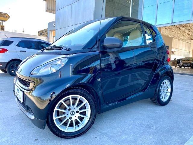 //www.autoline.com.br/carro/smart/fortwo-10-passion-12v-gasolina-2p-automatizado/2009/sao-jose-dos-campos-sp/12533749