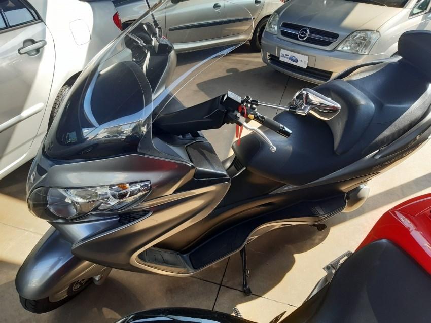 //www.autoline.com.br/moto/suzuki/burgman-400-gas-aut-basico/2016/boituva-sp/15082430