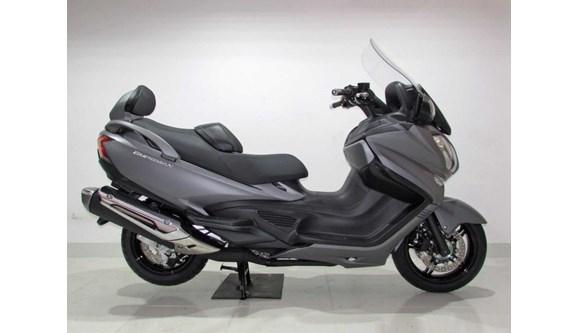 //www.autoline.com.br/moto/suzuki/burgman-650-executive-gas-aut-basico/2018/jundiai-sp/7960438