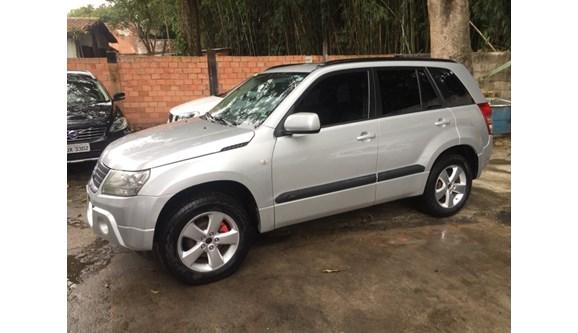 //www.autoline.com.br/carro/suzuki/grand-vitara-20-4x2-at-16v-140cv-4p-gasolina-automatico/2010/sao-paulo-sp/11392978