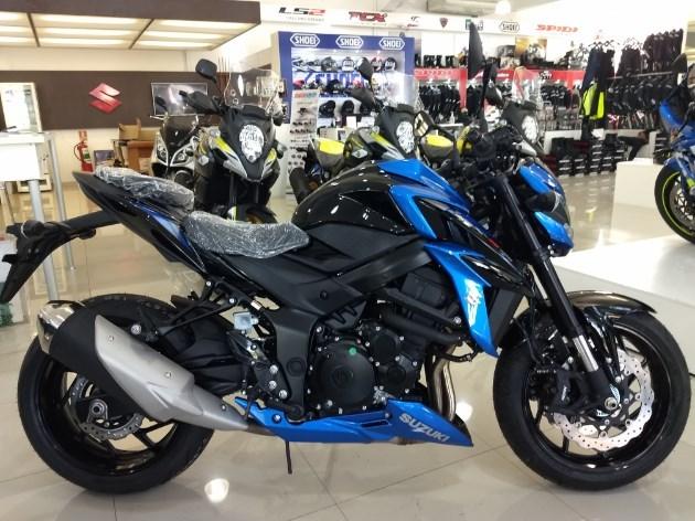 //www.autoline.com.br/moto/suzuki/gsx-s-750/2021/porto-alegre-rs/11939642