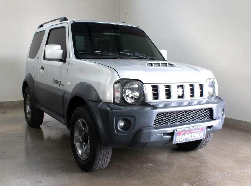 //www.autoline.com.br/carro/suzuki/jimny-13-4all-16v-gasolina-2p-4x4-manual/2015/brasilia-df/15734774