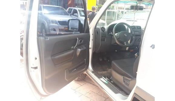 //www.autoline.com.br/carro/suzuki/jimny-13-4sport-16v-abs-85cv-2p-gasolina-manual/2015/sao-luis-ma/6962661