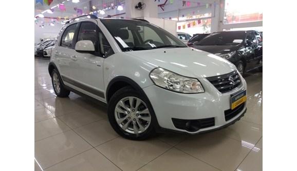 //www.autoline.com.br/carro/suzuki/sx4-20-16v-gasolina-4p-automatico/2014/sao-paulo-sp/9709689