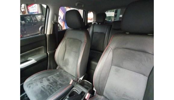 //www.autoline.com.br/carro/suzuki/vitara-14-4sport-16v-gasolina-4p-automatico/2019/belo-horizonte-mg/12581303