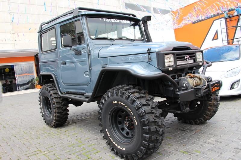 //www.autoline.com.br/carro/toyota/bandeirante-40-oj50lv-b-chlongo-90cv-2p-diesel-manual/2000/sao-jose-dos-pinhais-pr/11445519