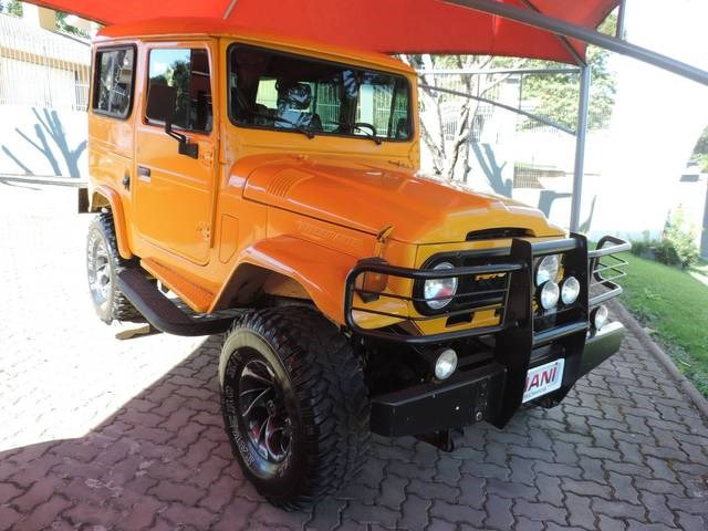 //www.autoline.com.br/carro/toyota/bandeirante-40-oj55lp-2bl-cdup-90cv-2p-diesel-manual/1980/ivoti-rs/14610139