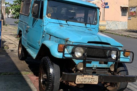 //www.autoline.com.br/carro/toyota/bandeirante-40-oj50lv-b-chlongo-90cv-2p-diesel-manual/1979/belo-horizonte-mg/14871159