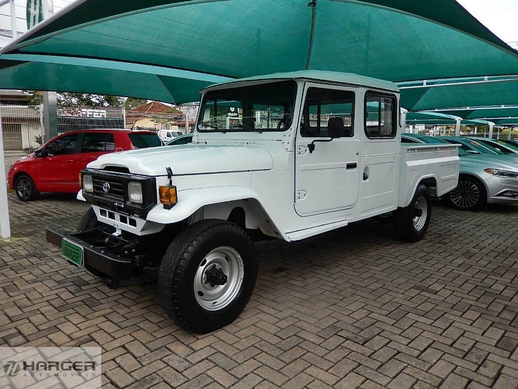 //www.autoline.com.br/carro/toyota/bandeirante-37-bj55lp-2bl-cdup-100cv-2p-diesel-manual/1997/curitiba-pr/14999728