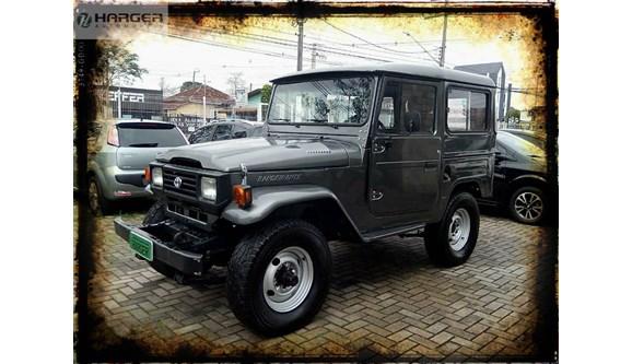 //www.autoline.com.br/carro/toyota/bandeirante-37-bj50lv-trigido-100cv-2p-diesel-manual/1998/curitiba-pr/6553090