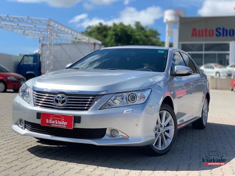 //www.autoline.com.br/carro/toyota/camry-35-24v-gasolina-4p-automatico/2013/sao-jose-dos-campos-sp/11868124