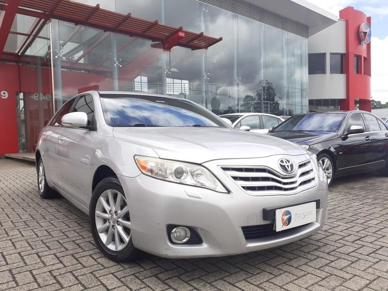 //www.autoline.com.br/carro/toyota/camry-35-24v-gasolina-4p-automatico/2010/curitiba-pr/13595231