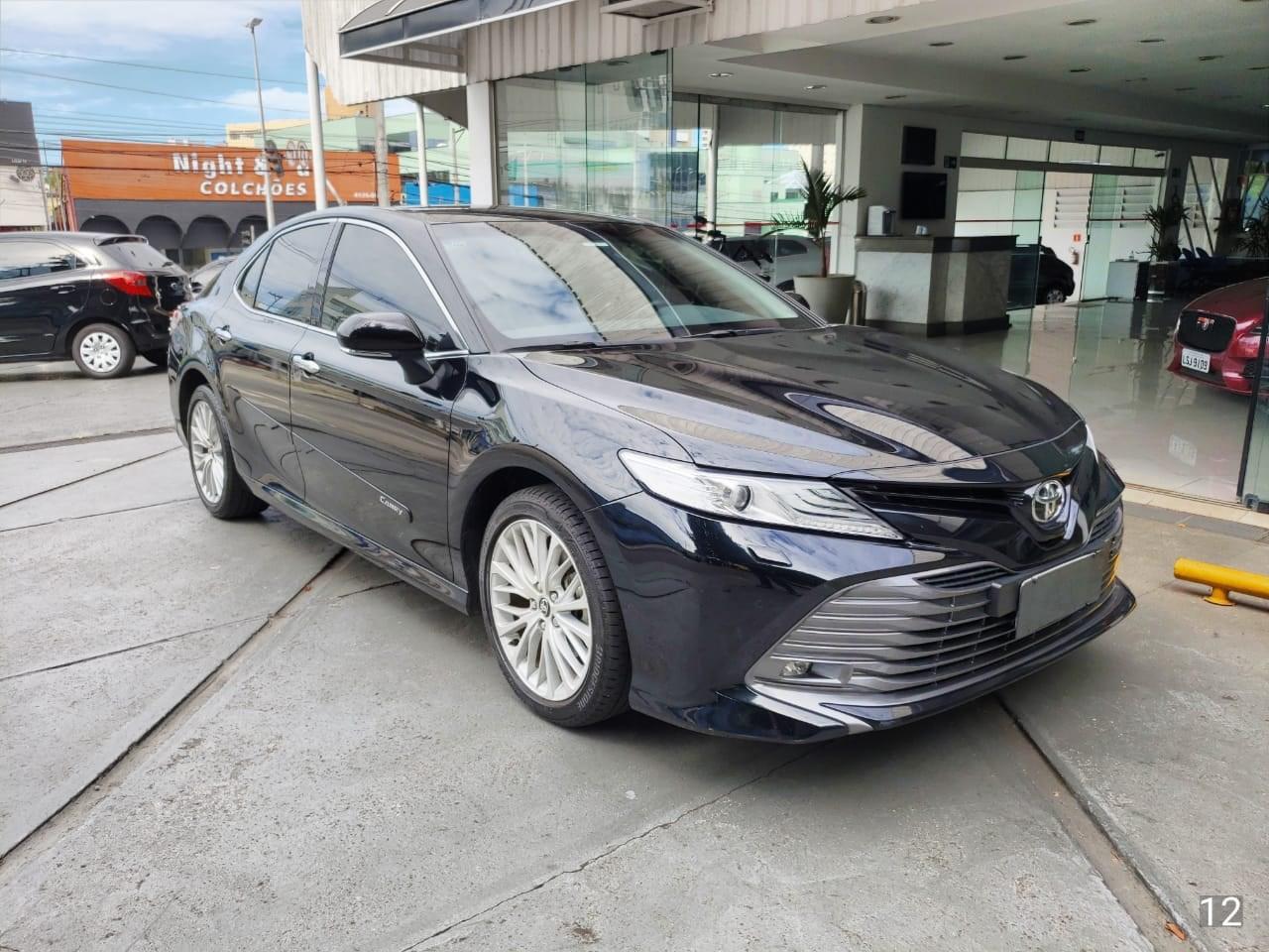 //www.autoline.com.br/carro/toyota/camry-35-v6-xle-24v-gasolina-4p-automatico/2019/sao-bernardo-do-campo-sp/13950941