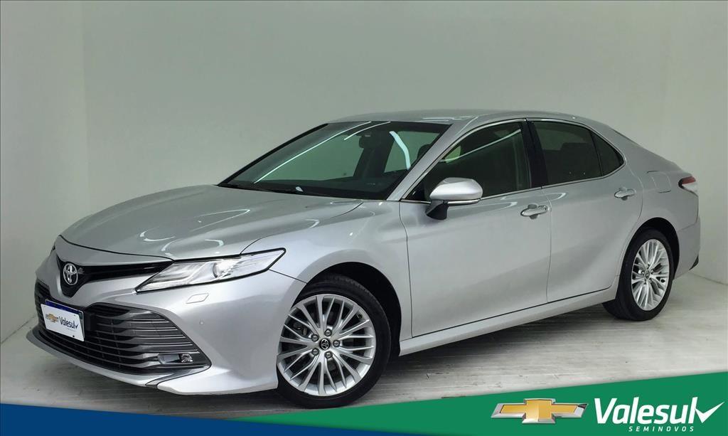 //www.autoline.com.br/carro/toyota/camry-35-v6-xle-24v-gasolina-4p-automatico/2018/sao-jose-dos-pinhais-pr/15016383