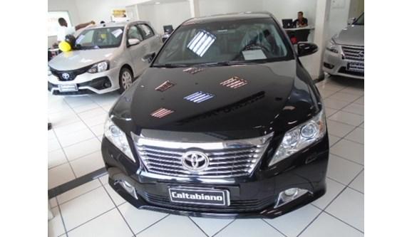 //www.autoline.com.br/carro/toyota/camry-35-24v-gasolina-4p-automatico/2012/sao-paulo-sp/7869207