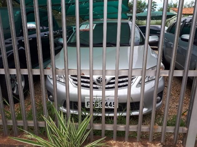 //www.autoline.com.br/carro/toyota/corolla-20-altis-16v-flex-4p-automatico/2013/itai-sp/11225112