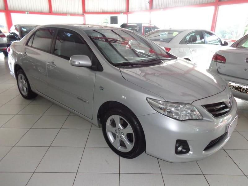 //www.autoline.com.br/carro/toyota/corolla-20-xei-16v-153cv-4p-flex-automatico/2014/cascavel-pr/11875724