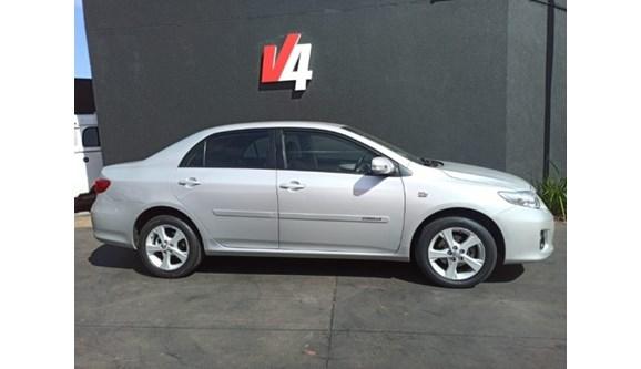 //www.autoline.com.br/carro/toyota/corolla-20-xei-16v-flex-4p-automatico/2014/campo-grande-ms/11917148