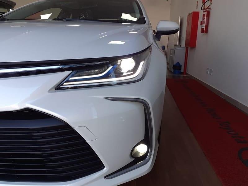 //www.autoline.com.br/carro/toyota/corolla-18-altis-16v-flex-4p-automatico/2021/brasilia-df/11995804
