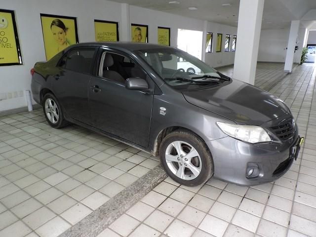 //www.autoline.com.br/carro/toyota/corolla-18-gli-16v-flex-4p-manual/2013/feira-de-santana-ba/12338555