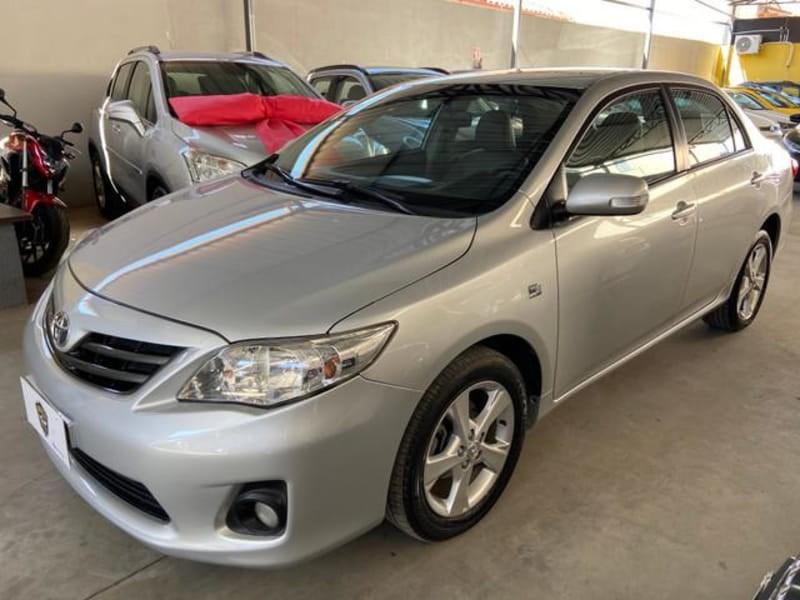//www.autoline.com.br/carro/toyota/corolla-20-xei-16v-flex-4p-automatico/2014/montes-claros-mg/12407471