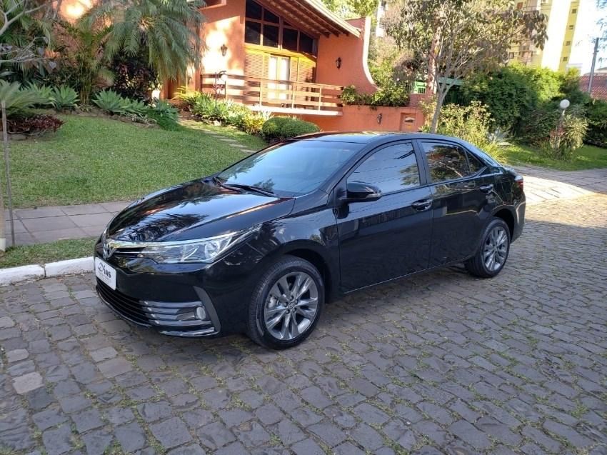 //www.autoline.com.br/carro/toyota/corolla-20-xei-16v-cvt-153cv-4p-flex-automatico/2018/novo-hamburgo-rs/12873040