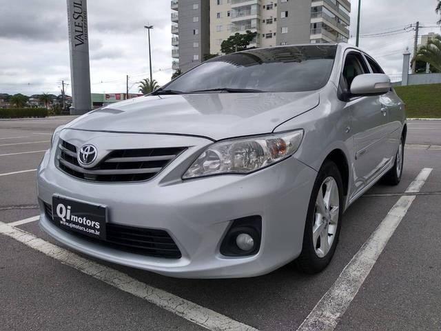 //www.autoline.com.br/carro/toyota/corolla-20-xei-16v-flex-4p-automatico/2012/sao-jose-dos-campos-sp/13003424